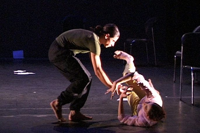 ©2001 - Hellenic Dance Company - New York, London, Paris