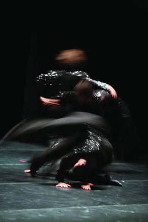 ©2006 - Hellenic Dance Company - Acts of Light, Acts of Darkness - Photo: Haris Akriviadis